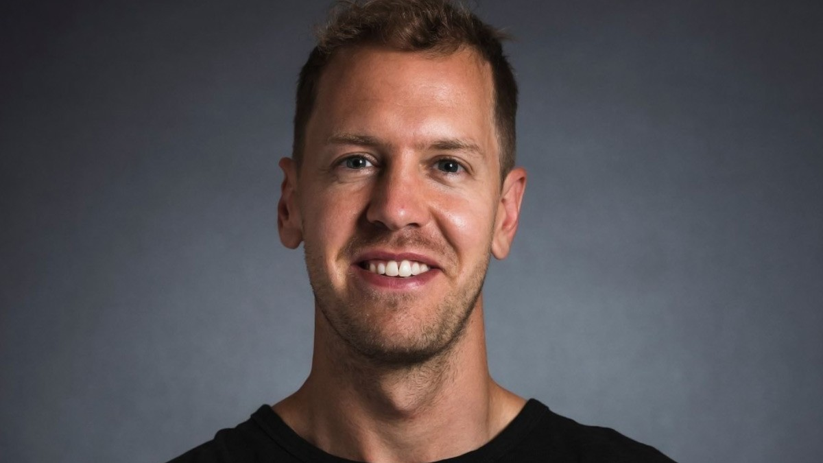 OFFICIAL VETTEL SIGNS WITH RACING POINT FOR 2021