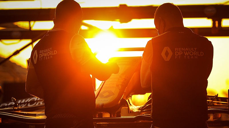 F1 RENAULT ISN T ABOUT TO GIVE UP FOR THE CHAMPIONSHIP
